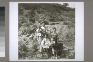 The photographer's caption reads: Half breed Yurok with quarter breed children