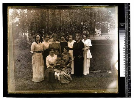 Unidentified people in group portrait