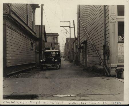 Eureka.C-D.1st-2nd.Alley.HSU.1999.07.0462